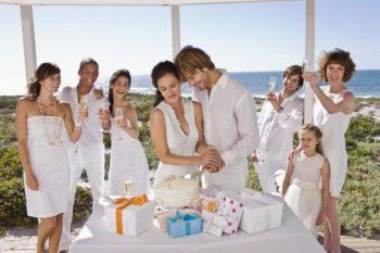 какие подарки лучше дарить молодоженам