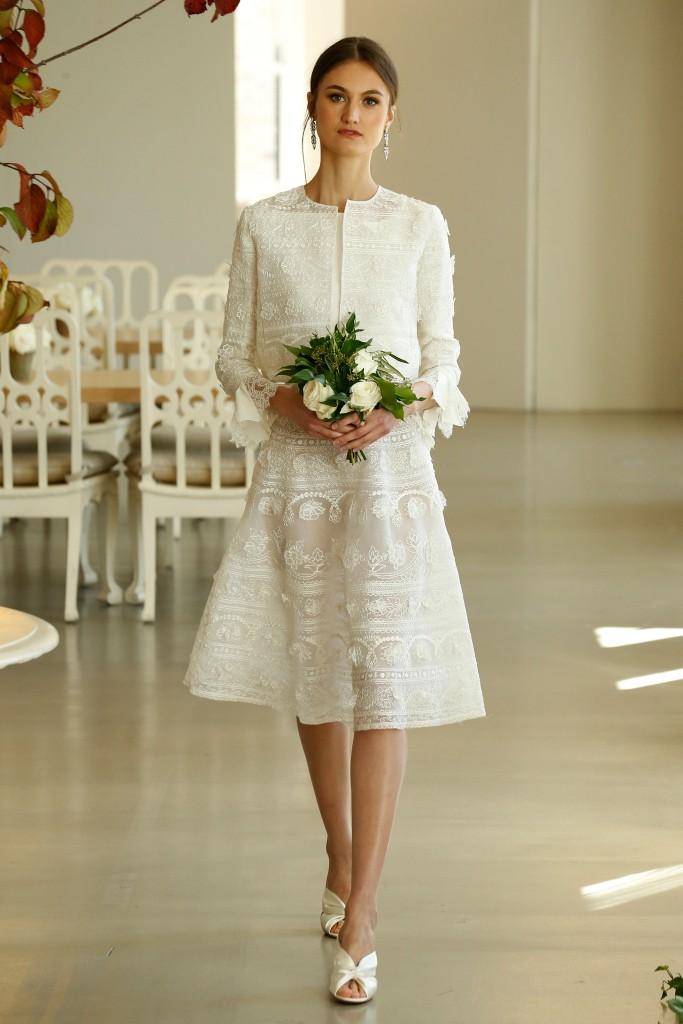 d0aa1d75048 Абсолютно все скромные свадебные платья можно определить похожестью фасонов.