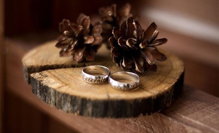 Своими, открытка на деревянную свадьбу фото