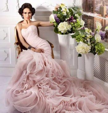 платье нежно-розовых оттенков