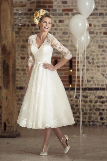 изящное платье в стиле 50-х