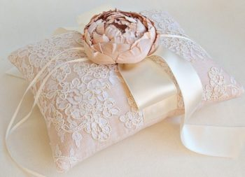 подарок на кружевную свадьбу