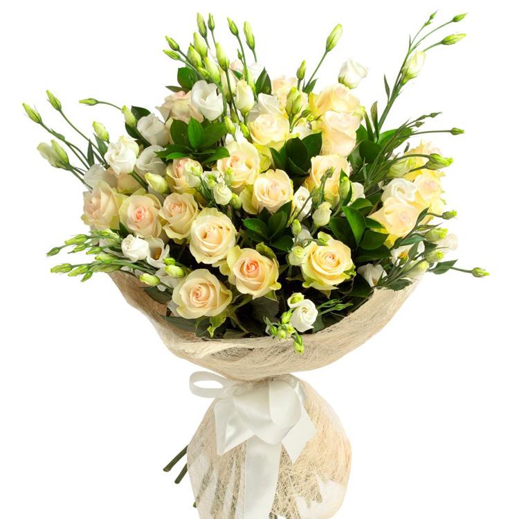 Свадебный букет невесты из эустомы — сочетание эустомы с фрезией, альстромерией и хризантемой в свадебном букете с фото