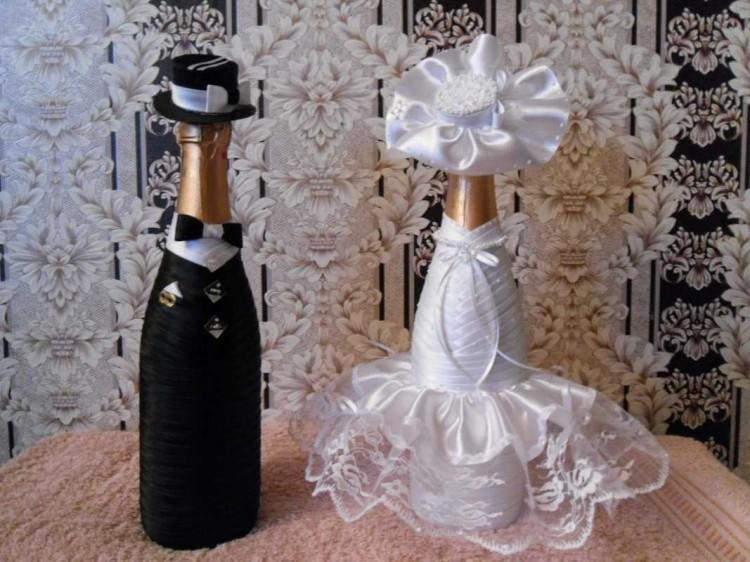 1805005 Как украсить свадебное шампанское своими руками лентами: мастер класс, идеи, фото