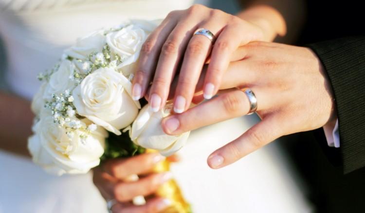 Можно ли менять обручальные кольца на новые: приметы, можно ли снимать и заменять при росписи в загсе или венчании, если потерялось или украли