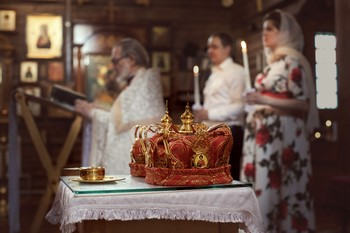 Кто может быть свидетелем на венчании? Свидетели на венчании и их обязанности: перечень. Можно ли венчаться без свидетелей и гостей?