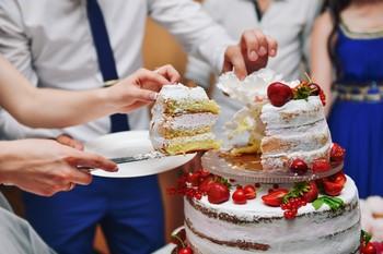 Как рассчитать торт на свадьбу, количество торта, вес, какой торт лучше заказать, выбрать на свадьбу, как продать и как резать