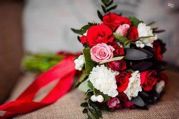Кто и когда покупает букет невесты: разбираемся в вопросе