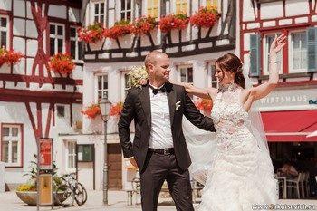 Как правильно подобрать поздравление с днем свадьбы на немецком языке?