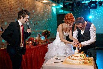 Сценарий для свадьбы для тамады или ведущего: готовый план мероприятия