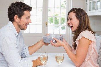 Какой сделать подарок невесте от жениха на свадьбу ?