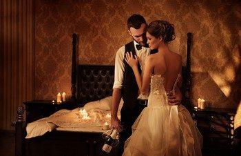 Какие существуют традиции и обычаи первой брачной ночи?