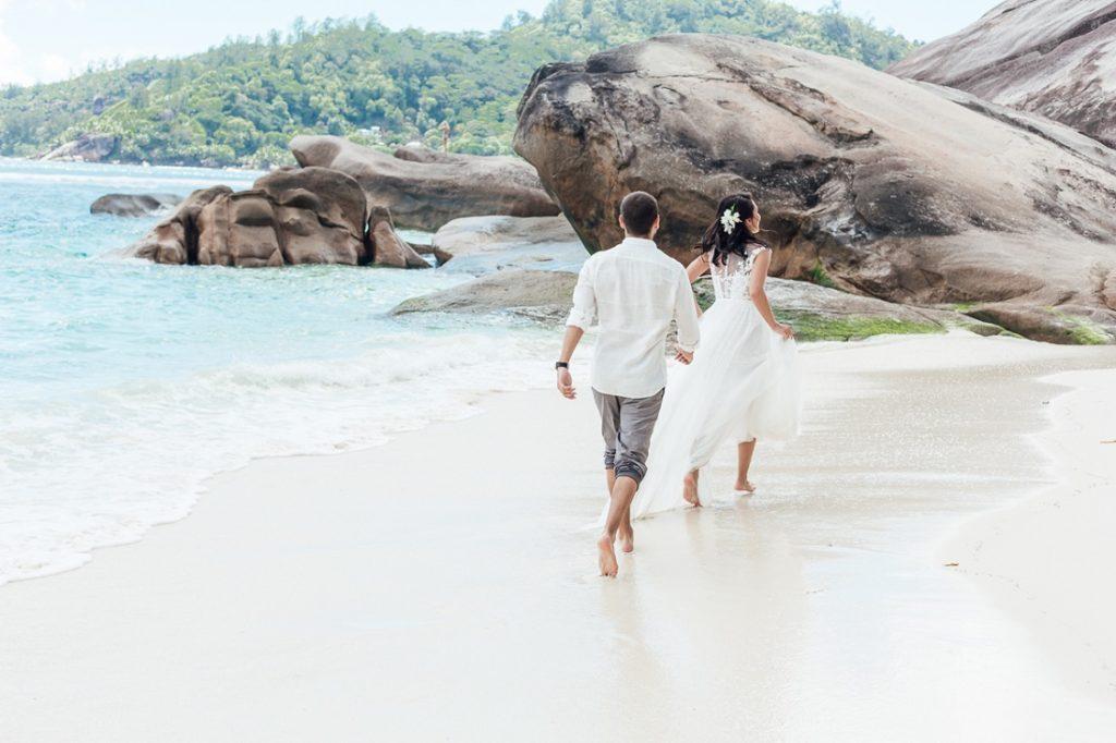 Фото свадебной пары на Мальдивах