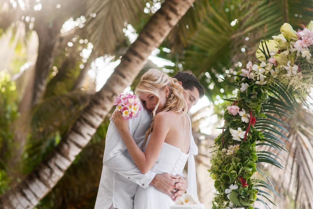 Фотосессия свадебной пары на Мальдивах