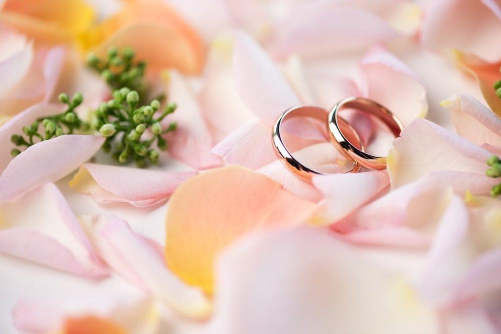 Кольца на персиковую свадьбу
