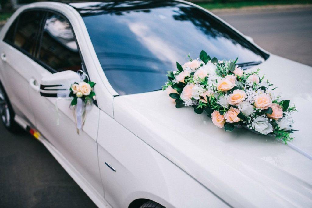 Кортеж на персиковую свадьбу