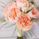 Красивый персиковый букет для невесты