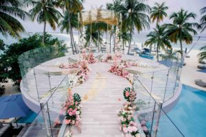 Оформление места церемонии свадьбы на Мальдивах