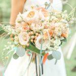 Персиково-белый букет для невесты
