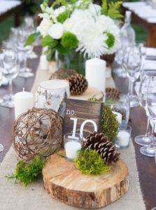 Декор стола шишками на свадьбе в стиле рустик