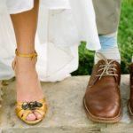 Деревенская обувь на свадьбе рустик