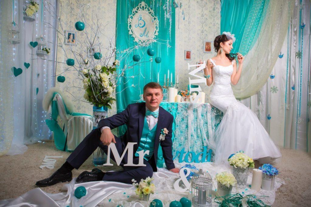 Фото молодоженов на бирюзовой свадьбе