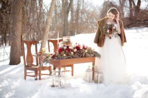 Фото невесты на зимней свадьбе в стиле рустик