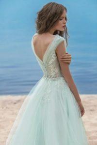 Невеста в бирюзовом платье