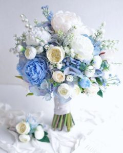 Нежный букет в бирюзовом цвете