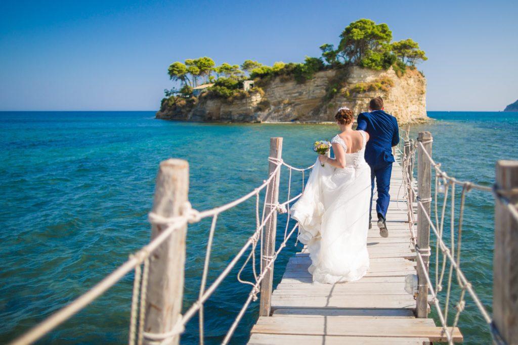 Отпраздновать свадьбу в Греции