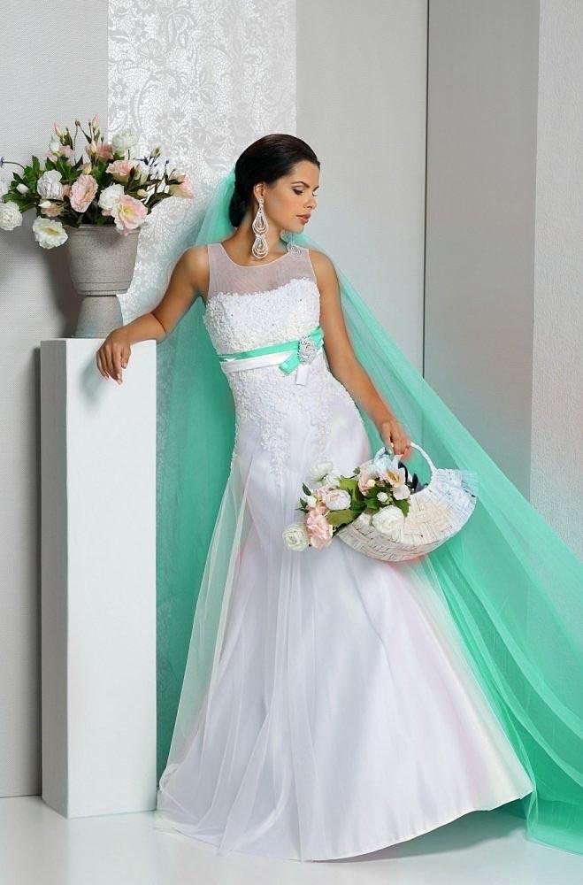 Платье невесты на бирюзовую свадьбу