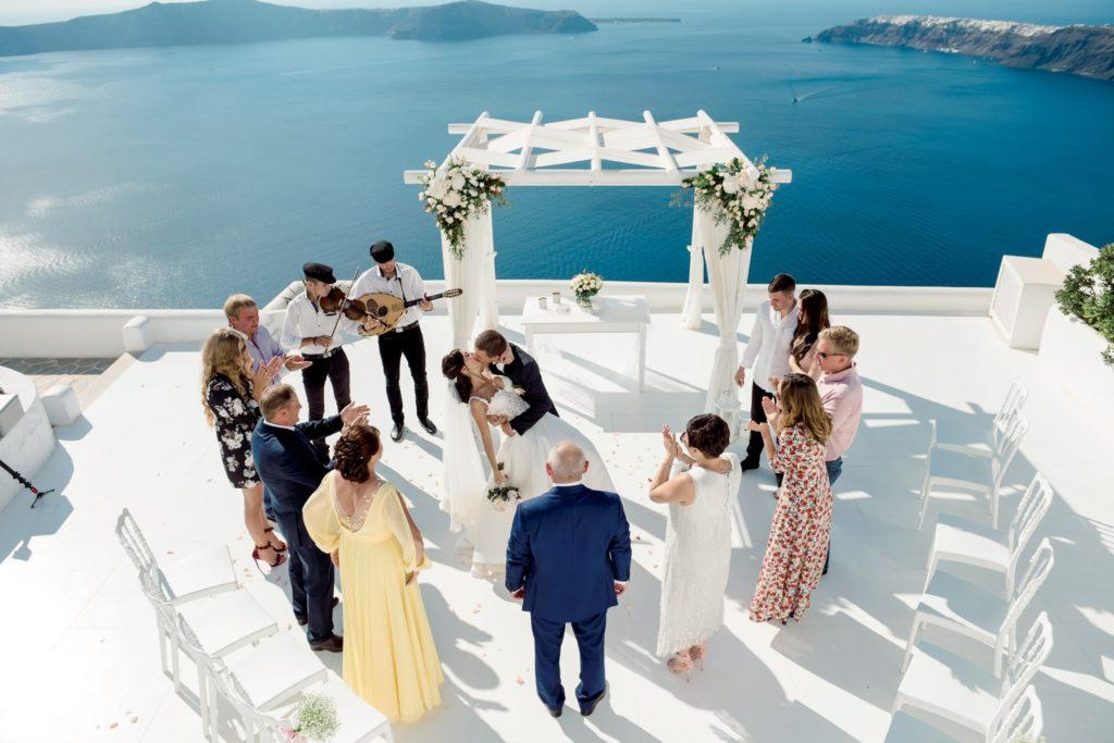 Подготовка к свадьбе в Греции