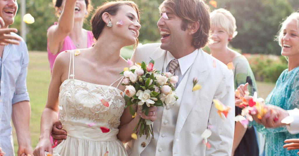 Празднование свадьбы на природе