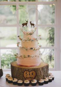 Рустикальный торт для свадьбы