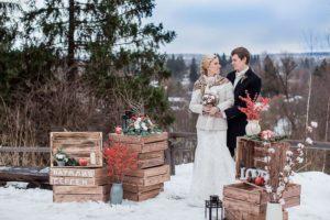 Свадьба в рустикальном стиле зимой