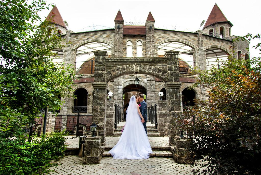 Свадьба в замке на природе