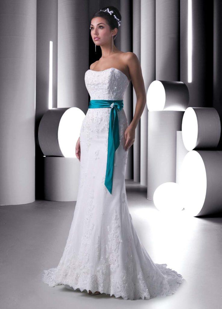 Свадебное бирюзовое платье невесты