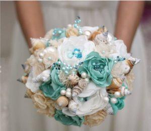 Свадебный букет в бирюзовом стиле