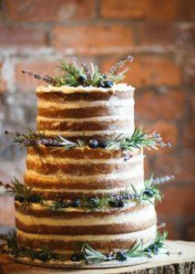 Торт-пенек для деревенской свадьбы