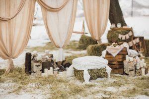 Зона для фото на свадьбе в стиле рустик